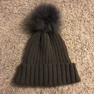 Kendall + Kylie hat
